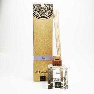 O ambientador mikado da Saboaria Coutinho, com aroma a Coco, transmite tranquilidade, harmonia e serenidade.