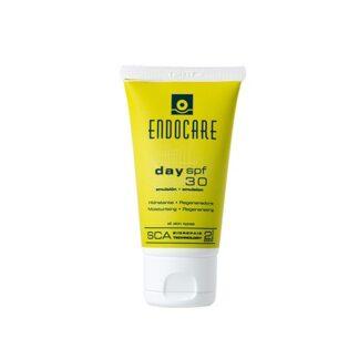 Endocare Day Spf 30 Emulsão 40ml, emulsão fluida hidratante de rápida absorção, formulada com 2% de SCA®, ativador natural da regeneração cutânea, com propriedades reparadoras e antioxidantes que atua de forma eficaz,