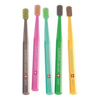 Curaprox C S Smart Escova Dentífrica 1Un e uma escova extremamente versátil, podendo ser utilizada por adultos e crianças a partir dos 5 anos de idade.