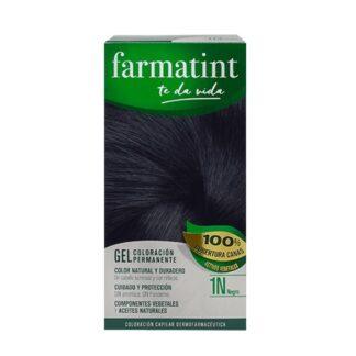 Farmatint Gel Color 1N Negro 135ml, graça à sua suave composição, sem amoníaco e com ingredientes vegetais, é uma coloração permanente capaz de cobrir 100% dos cabelos brancos, respeitando a saúde do cabelo.