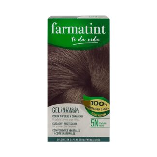 Farmatint Gel Color 5N Castanho Claro 135ml, graça à sua suave composição, sem amoníaco e com ingredientes vegetais, é uma coloração permanente capaz de cobrir 100% dos cabelos brancos, respeitando a saúde do cabelo.