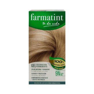 Farmatint Gel Color 9N Louro Mel 135ml, graça à sua suave composição, sem amoníaco e com ingredientes vegetais, é uma coloração permanente capaz de cobrir 100% dos cabelos brancos, respeitando a saúde do cabelo.
