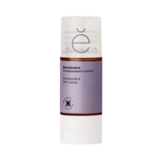 Etat Pur Resveratrol Ativo Puro 15ml, proveniente dos ramos da videira, o resveratrol é um poderoso antioxidante que previne os sinais de envelhecimento, como as rugas, e uniformiza a pel
